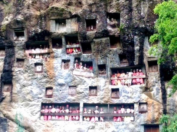 Toraja - Tombes